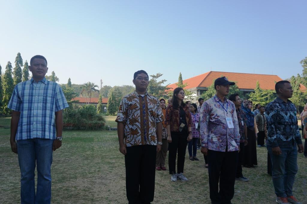 Staff Perpus ITS, ikuti gladi bersih tataran dasar Bela Negara
