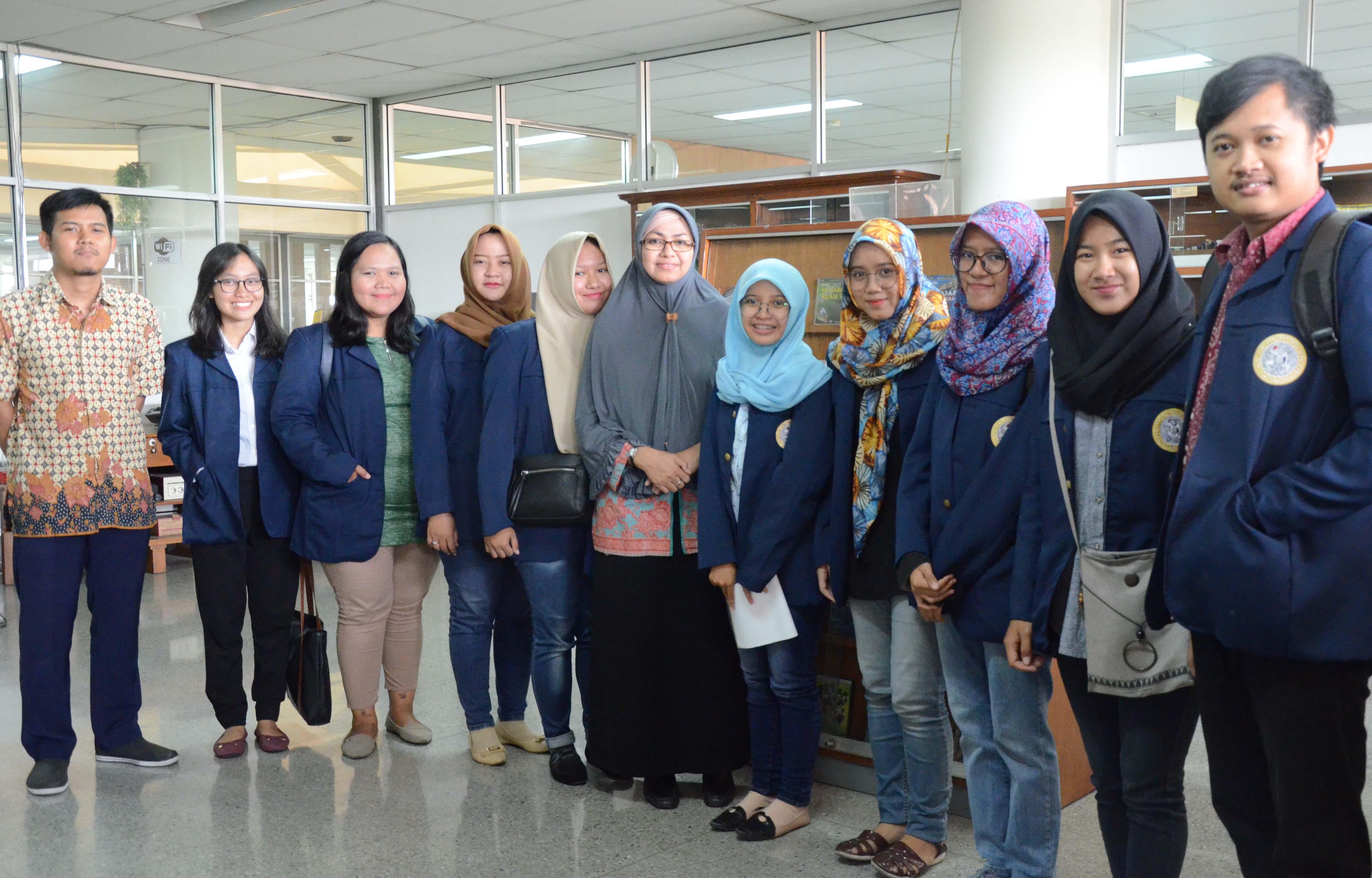 Perpustakaan  ITS berbagi ilmu dan informasi melalui observasi dari Mahasiswa UNAIR
