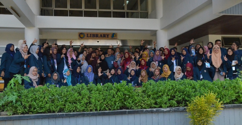 Mahasiswa UNDIP KKL sekaligus Silaturahim ke Perpustakaan ITS