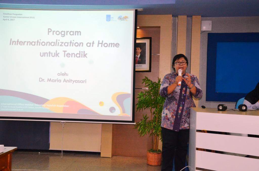 International Seminar for Non-Academic Staff  edukasi dan motivasi Staff ITS