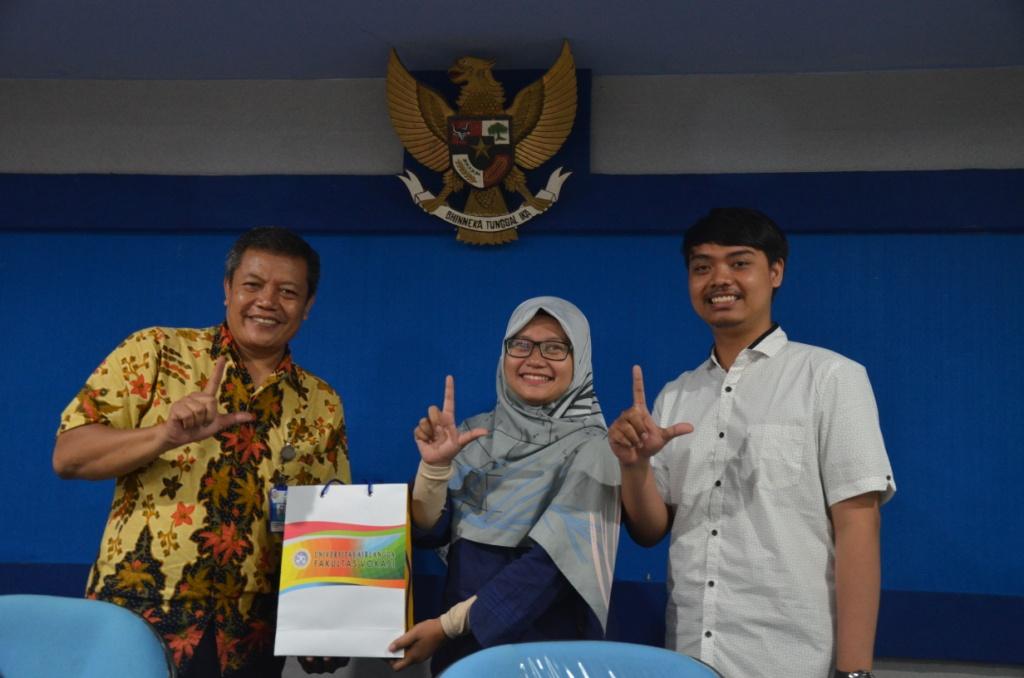 Mahasiswa PSTP Universitas Airlangga lakukan tur Library  dan orientasi di Perpustakaan ITS