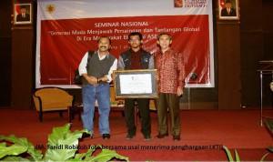 Mahasiswa ITS Meraih Juara 2 (dua) Kompetisi Karya Tulis Sampoerna Corner 2015
